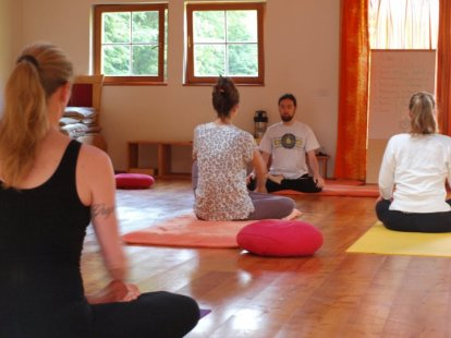 class on meditation